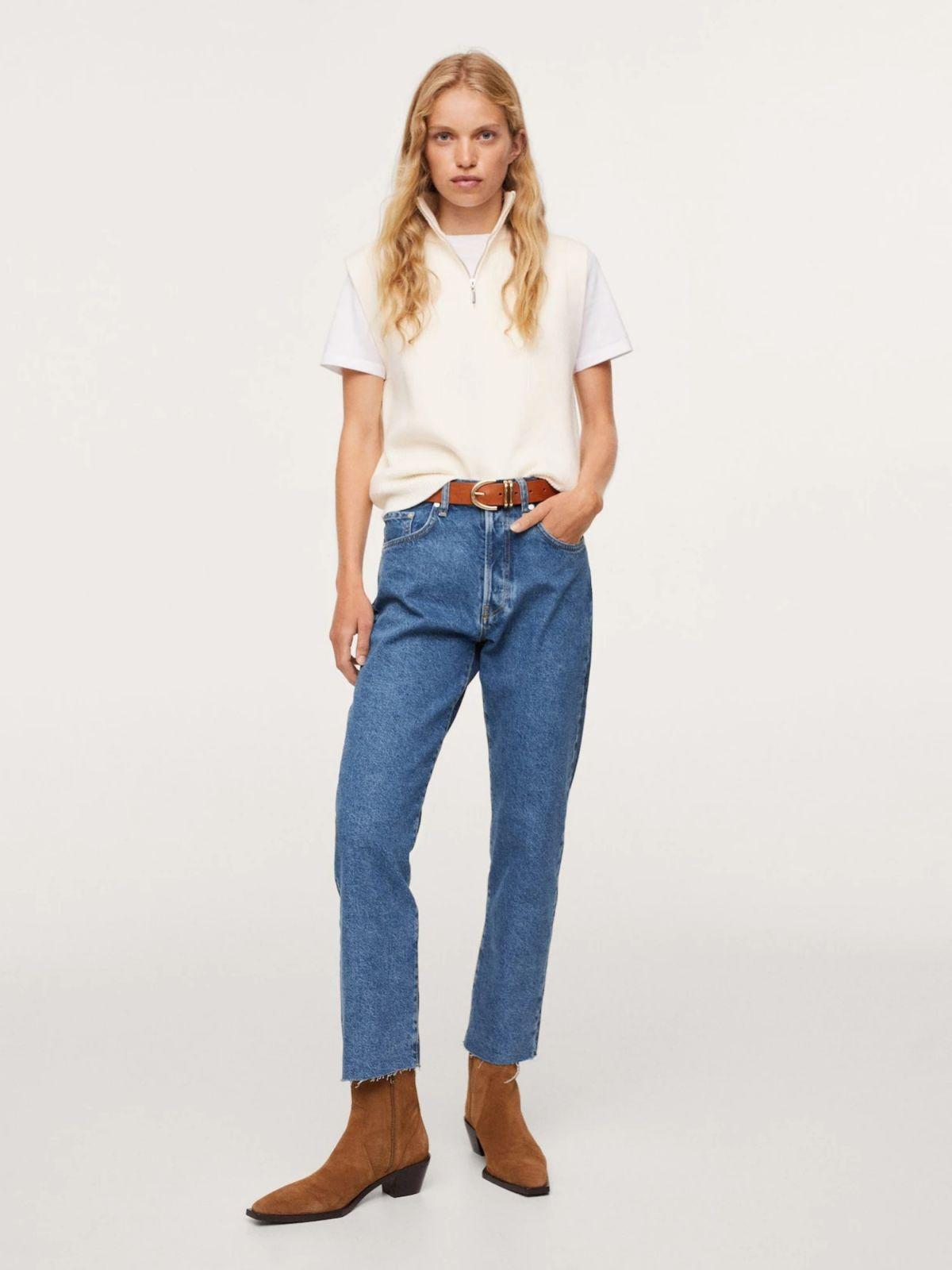 ג'ינס ישר בסיומת גזורהג'ינס ישר בסיומת גזורה של MANGO