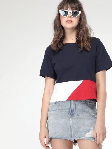 חצאית ג'ינס בשטיפה בהירה