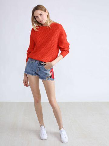 שורטס ג'ינס עם רקמה