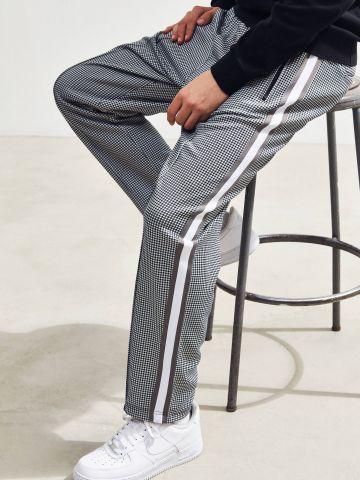 מכנסי טראק רחבים בהדפס פפיטה UO