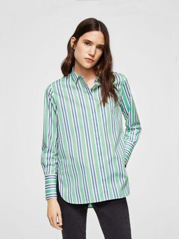 חולצת פסים מחויטת עם כפתור צדדי