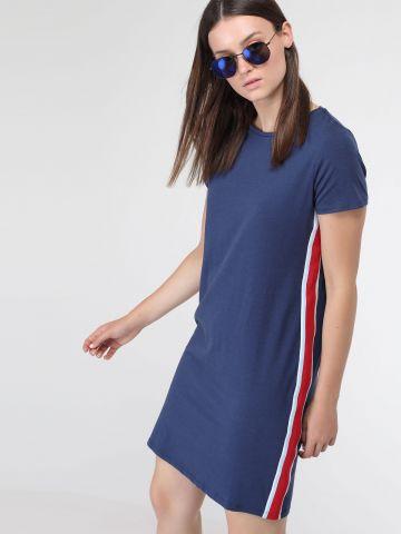 שמלת טי שירט עם פסים בצדדים