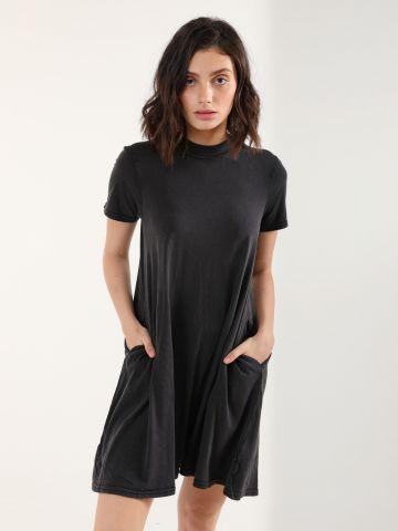 שמלת טי שירט עם כיסים