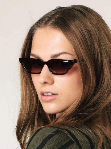 משקפי שמש מלבניים צרים Gigi Hadid