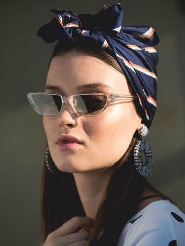 משקפי שמש מלבניים צרים Gigi Hadid של vogue eyewear