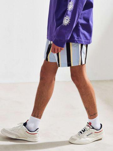 מכנסיים קצרים בהדפס פסים UO