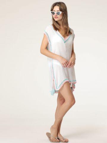 שמלת חוף דקה עם רקמה צבעונית