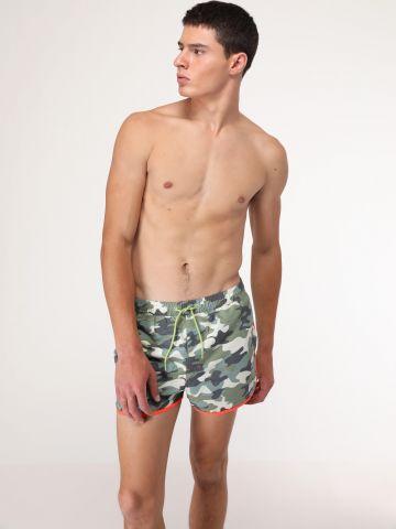 מכנסי בגד ים בהדפס צבאי ושוליים בצבע של PEPE JEANS