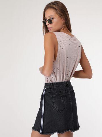 חצאית ג'ינס בעיטור פסים בצדדים