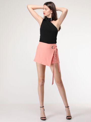 חצאית עם עיטור קשירה