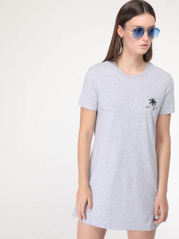 שמלת טי שירט מיני עם הדפס דקל