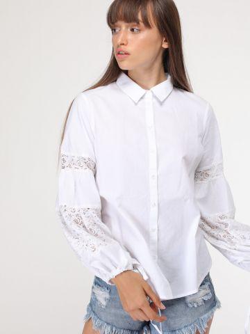 חולצה מכופתרת עם עיטורי תחרה