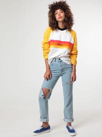 ג'ינס לוגו בגזרה ישרה עם קרעים