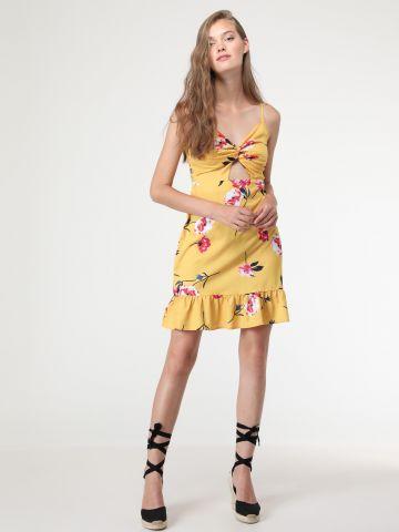 שמלת מיני פרחים פפלום עם סלסול ופתח בחזית