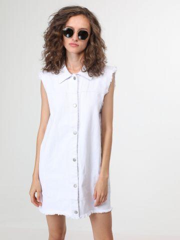 שמלת ג'ינס מכופתרת עם סיומת פרומה
