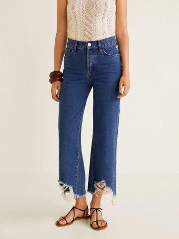 ג'ינס בגזרה רחבה עם קרעים בסיומת
