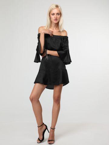 שמלת סאטן אוף שולדרס מלמלה
