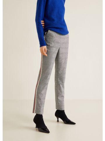 מכנסיים מחוייטים בהדפס משבצות עם פסים בצדדים