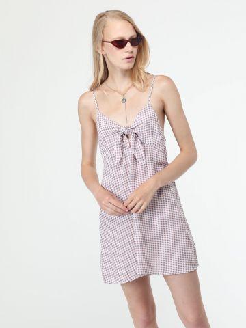 שמלת מיני משבצות עם קשירה בחזית
