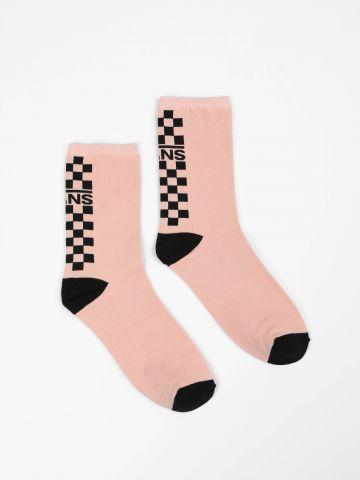 גרביים בהדפס לוגו ומשבצות / נשים