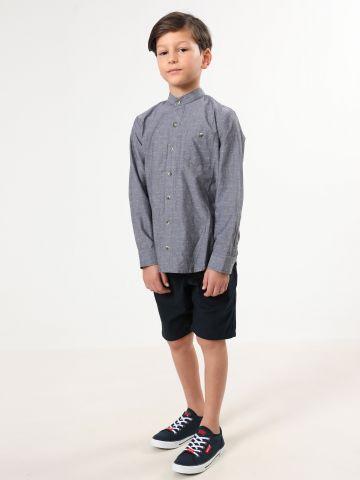 חולצה מכופתרת עם רקמת איקסים / בנים
