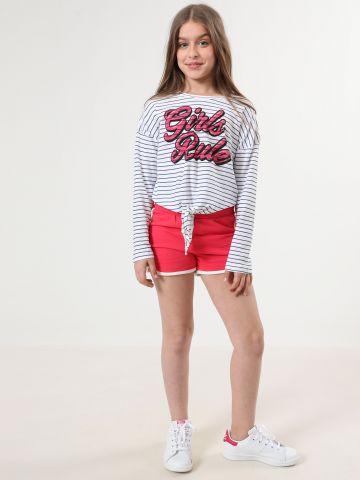 חולצת בהדפס פסים עם אלמנט קשירה בחזית / בנות