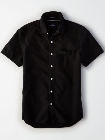 חולצה מכופתרת קצרה עם כיס לוגו