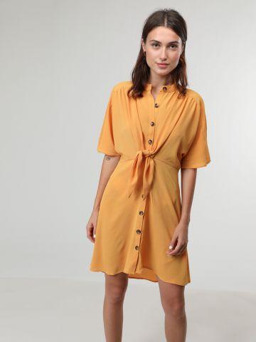 שמלת מיני עם כפתורים ועיטור קשירה בחזית