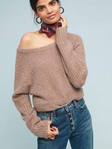 סוודר צמרירי עם שסעים בתחתית