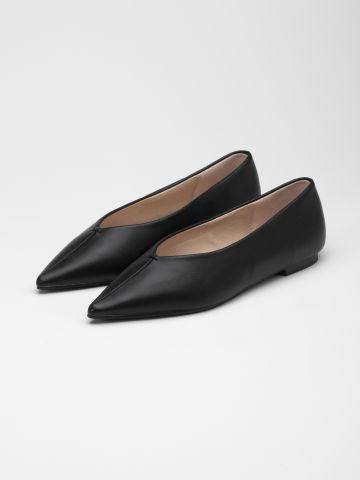 נעלי סירה דמוי עור עם קצה מחודד / נשים