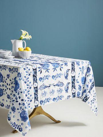 מפת שולחן צבעונית עם הדפס פרחים