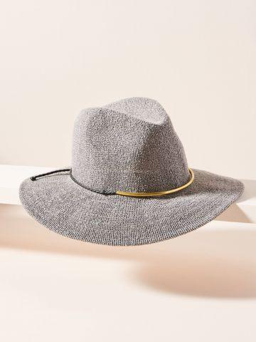 כובע בסגנון קאובוי עם תכשיט מטאלי של ANTHROPOLOGIE