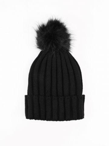 כובע צמר סרוג עם פונפון