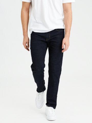 ג'ינס בגזרת סלים ישרה בשטיפה כהה Slim Straight Jean