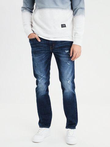 ג'ינס משופשף בגזרה ישרה Slim Straight