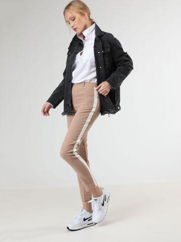 מכנסיים מחוייטים סלים עם סטריפים