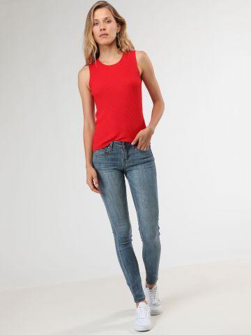 ג'ינס סקיני סטרץ' עם שפשופים עדינים