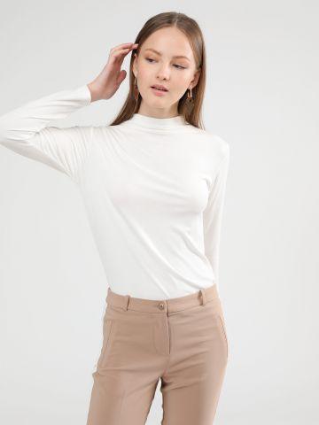 חולצת בייסיק סופט עם צווארון גבוה של TERMINAL X