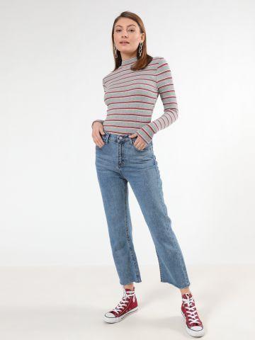 ג'ינס קרופ בגזרה ישרה עם סיומת גזורה