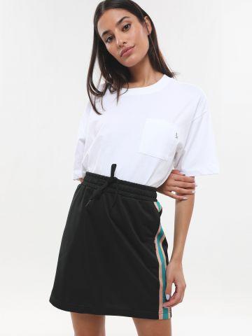 חצאית טראק מיני עם סטריפים