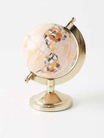 גלובוס דקורטיבי עם עיטורי זהב