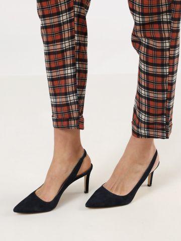 נעלי עקב סטילטו זמש עם רצועת קרסול