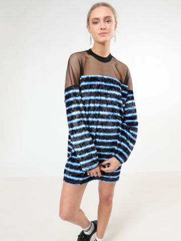 שמלת קטיפה מיני פסים בשילוב רשת