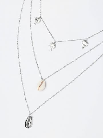 שרשרת שכבות עם תליוני דקלים וצדפים