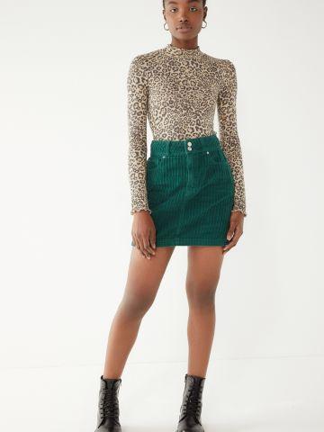 חצאית מיני קורדורוי עם כיסים UO