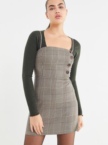 שמלת מיני משבצות בשילוב כפתורים UO