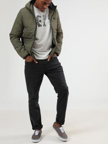 ג'ינס סלים בשטיפה כהה