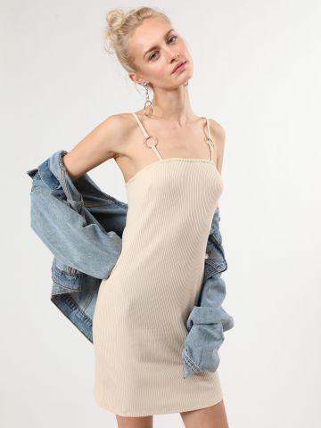 שמלת ריב מיני עם כתפיות דקות בשילוב טבעות