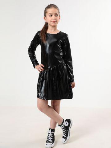שמלה דמוי עור עם מלמלה אסימטרית / בנות