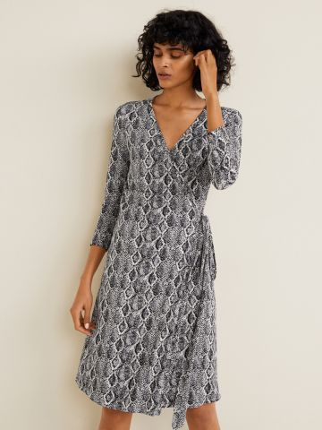 שמלת מעטפת מידי בהדפס נחש עם קשירה במותן